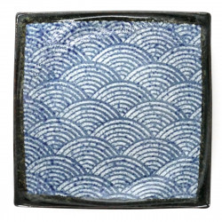 medium-sized curved square plate with blue patterns blue SEIGAIHA